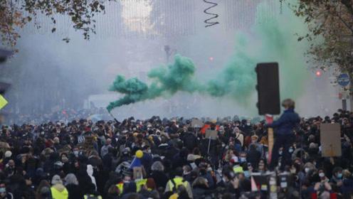 英國爆發反封鎖游行?警方已逮捕160多人