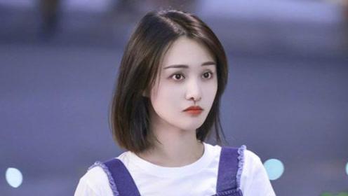 郑爽素颜帮新综艺录制视频,头发稀疏容貌变化大,让人认不出