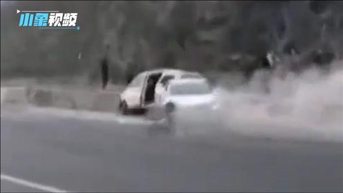 """河北秦皇岛因路面结冰 数十辆车连撞!一车""""飘移""""几十米后撞上其它事故车"""