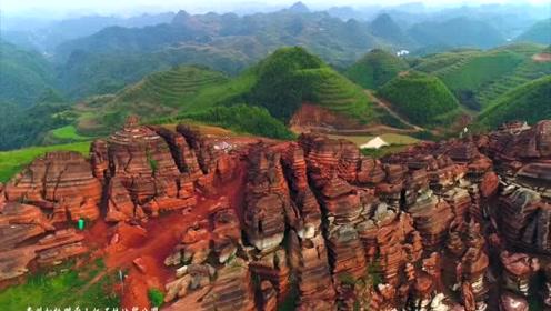 航拍贵州松桃县盘石镇当造村腊尔山红石林