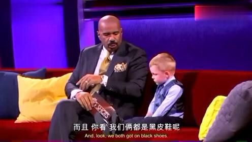 三岁的小孩成功当选了美国镇长,主持人采访,