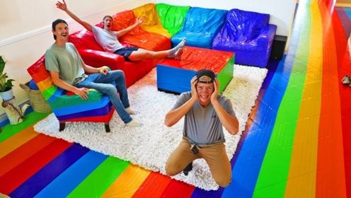 老外恶搞好友,把整个房子都贴满彩色胶带,网