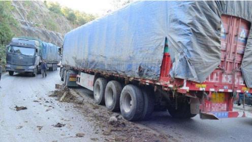 大货车爬不上坡,看看老司机是怎么做的?