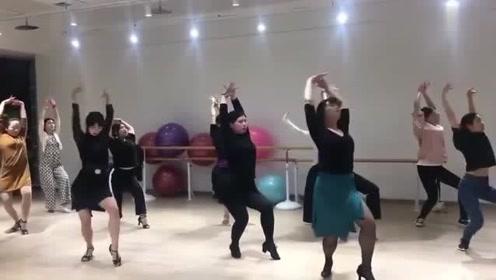 拉丁舞零基础伦巴慢节奏感觉培养