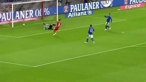 德甲新赛季首球诞生格纳布里停扣射一气呵成拜仁实力碾压对手