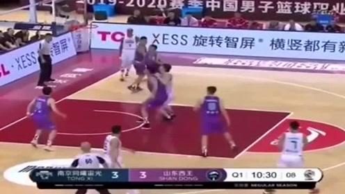 篮球:约瑟夫杨狂砍74分震撼全场,并列CBA历史第三高分