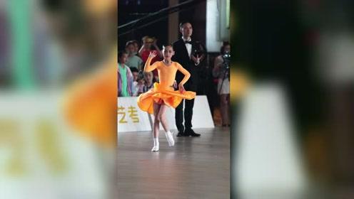 品学兼优的国标女孩,一路见证了成长#拉丁舞 #魏莱欣 #c*df成都精英赛