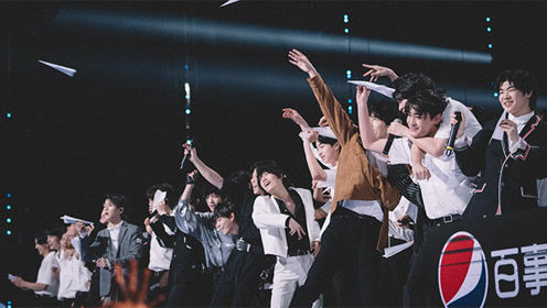 Students' Reaction Cam: disco dancing