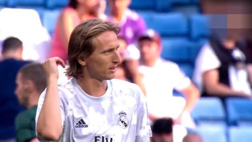 足球与艺术的优雅结合 中场魔法师魔笛精彩回顾
