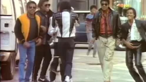 迈克尔·杰克逊1988年百事可乐广告,音乐一响瞬