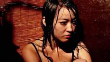 女孩被人绑架,扔在大水缸里,绑匪是个永远长不大的孩子