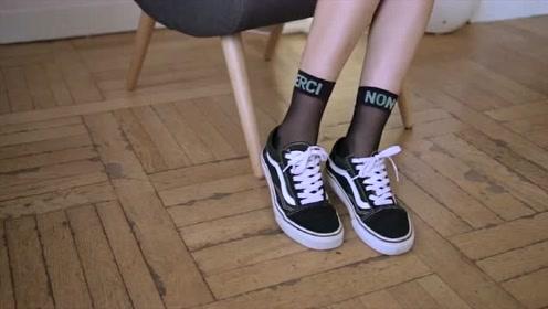 穿搭分享,帆布鞋搭配网袜,整条街你就是最靓的女孩