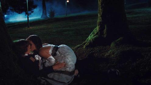 男子向美女告白,美女爽快答应后来到小树林,