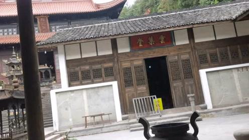 义乌塔山风景区,山顶寺庙.