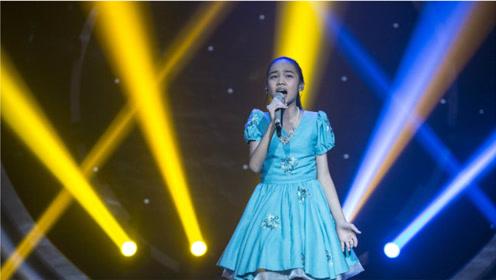 专业歌手都不敢轻易挑战的高音,被十岁孩子轻松翻唱,歌坛没人了
