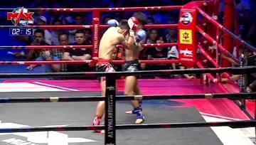 泰拳比赛,熊抱开场,膝顶重击,别问,问就是拳拳到肉