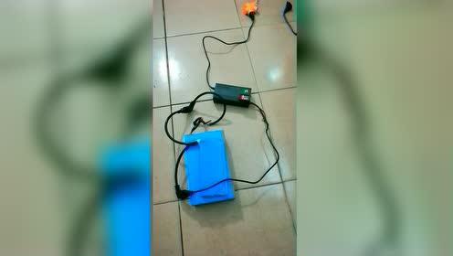 #科技圈热闹事#两广电动车动力移动电源,使用方法,千万要记住有电危险别乱模仿,视频里面说完了 #两广电动车移动电源#