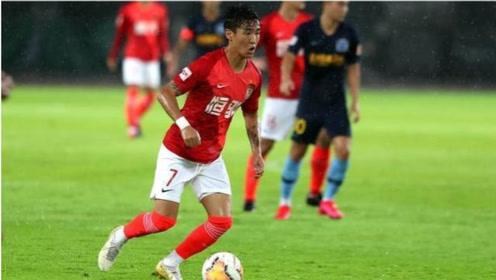 中超第10轮:广州恒大2-0深圳佳兆业有费南多在恒大无敌了。