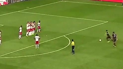 英超经典抢罚任意球一刻,前英格兰国脚也被这一脚打服了!