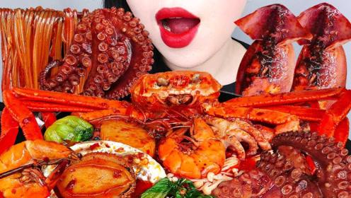 美食二倍速:小姐姐吃海鲜锅,帝王蟹,章鱼足,粉丝,蘑菇青菜美味