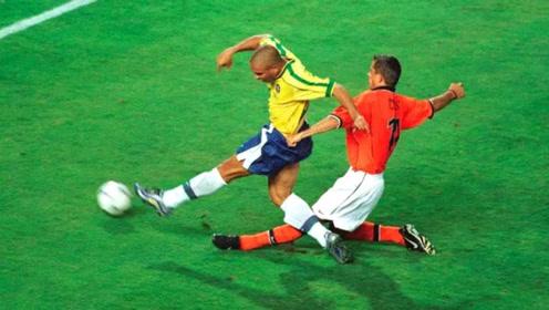 足坛史上最完美的第一中锋,罗纳尔多撼动世界的个人精彩进球集锦
