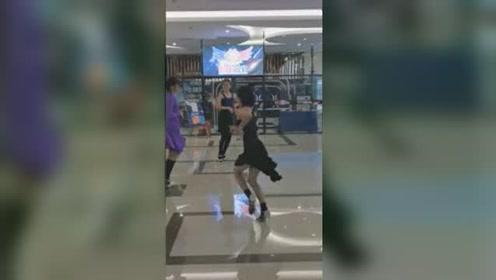 #杨欣怡 拉丁舞商场炸街,模拟比赛。