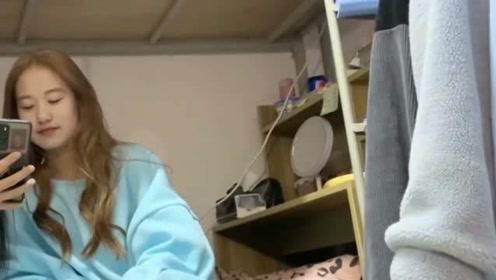 这就是当代女大学生在宿舍拍视频的样子,没见过这么可爱的女生,心动的感觉
