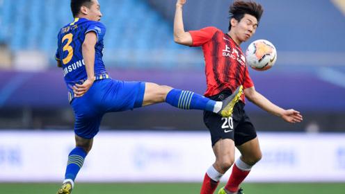 中超半决赛:上海上港1-2江苏苏宁将在决赛对阵广州恒大。