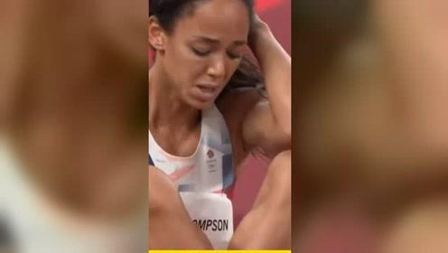 这就是奥林匹克精神!英国选手跟腱受伤后坚持完赛!#奥运@微信时刻@微信创作者