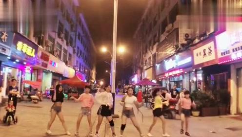 街拍视频舞蹈需要坚持才会有收获