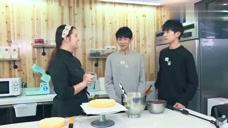 王源千玺给王俊凯做蛋糕,全程亲自动手,网友:好有爱!