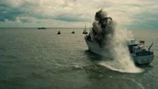 敦刻尔克:男子被困海底,他奋力挣扎,终于逃脱