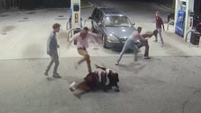男子遭持枪打劫,劫匪还没准备好热身,就被团灭瞬间凉凉