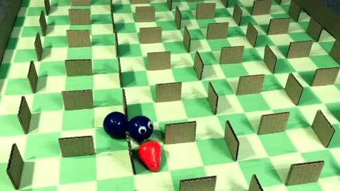 纸板游戏:蛇蛇大作战