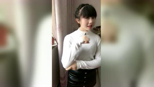 河南妹子的近距离自拍show