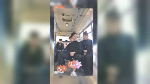 小伙公交车搭讪美女被媳妇逮个正着,看媳妇怎