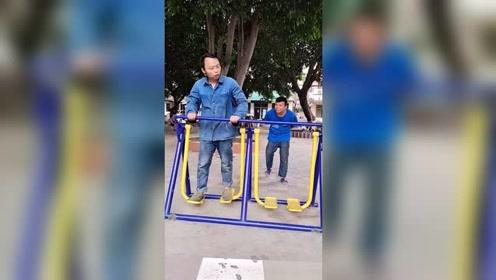我从来没有见过这么傻子的人#搞笑视频##热门