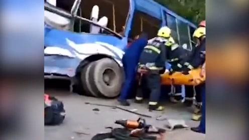 吉林公交车与重型货车相撞致2死16伤,伤员均已送医救治