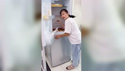 我要上热门用上这个冰箱疏通器再也不会堵了!