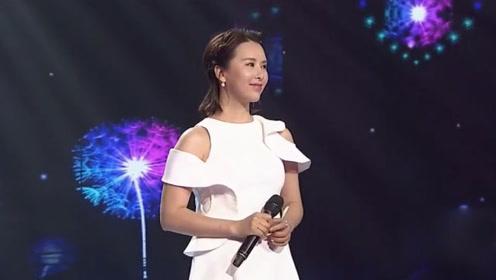 还记得当年最火的《情深深雨濛濛》,王雅洁演唱的这首歌太催泪了