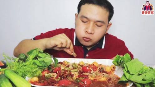普哥美食:鱼露凉拌腌虾,香辣爽口,汤汁拌点米粉,嗦的过瘾!