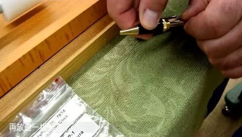 老外用烂木头做成圆珠笔,比买的好看多了,有手艺就是不一样!