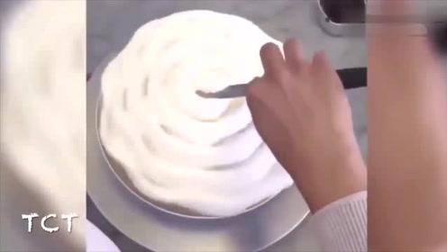 这是一个能让甜品爱好者发疯的视频,晚上千万