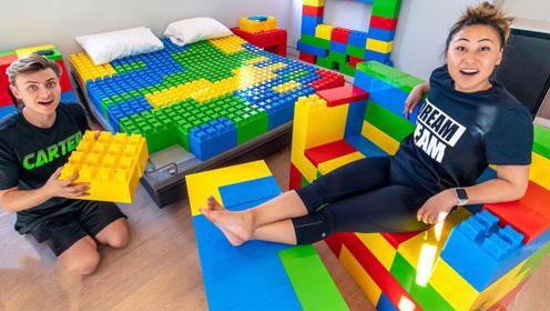 美女把朋友的房间用乐高积木重新装修,朋友表示痛并快乐着!