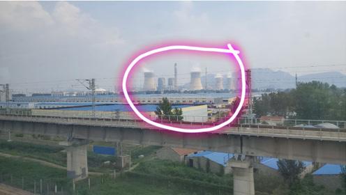 很难想象火车进入江苏连云港是这样的,小伙第一次见这样的事情