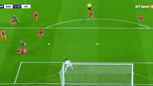 都说C罗是欧冠之王 看看梅西这次大四喜水平如何 球王的 风采尽显无疑