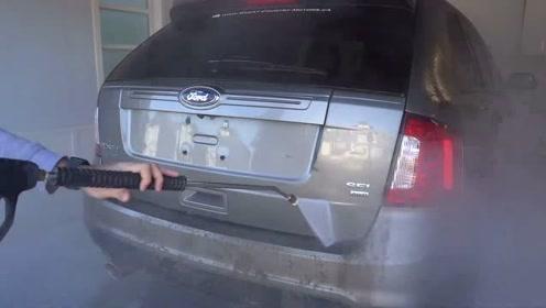 说不上什么特别之处,非常喜欢这种洗车视频,感觉特别满足
