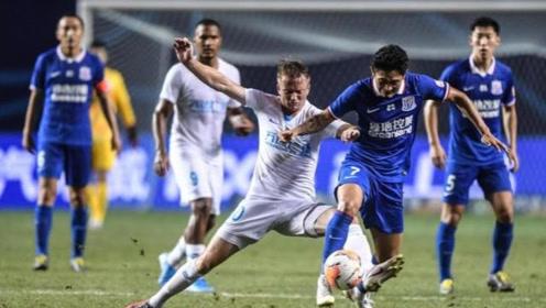 中超第11轮:大连人1-1上海申花 一场火药味十足的比赛球员累躺地上了