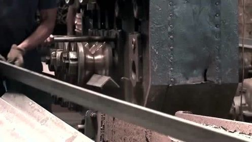 角铁是如何制造的?这个视频解开我多年的疑惑,是不是和你们想的不一样?