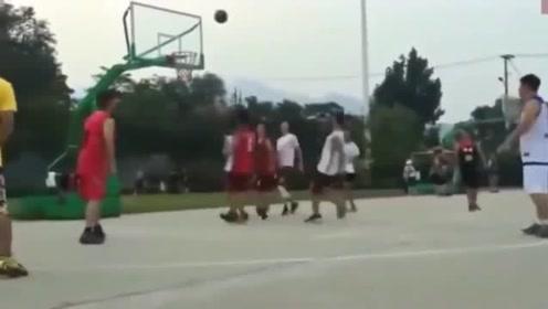 """广东民间篮球场现""""尼克杨"""", 这技术放在CBA什么水平!"""
